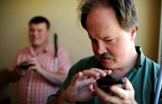 Инновационные компьютерные и мобильные технологии помогут слепым видеть